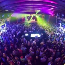 Eazy-Ven-В клубе