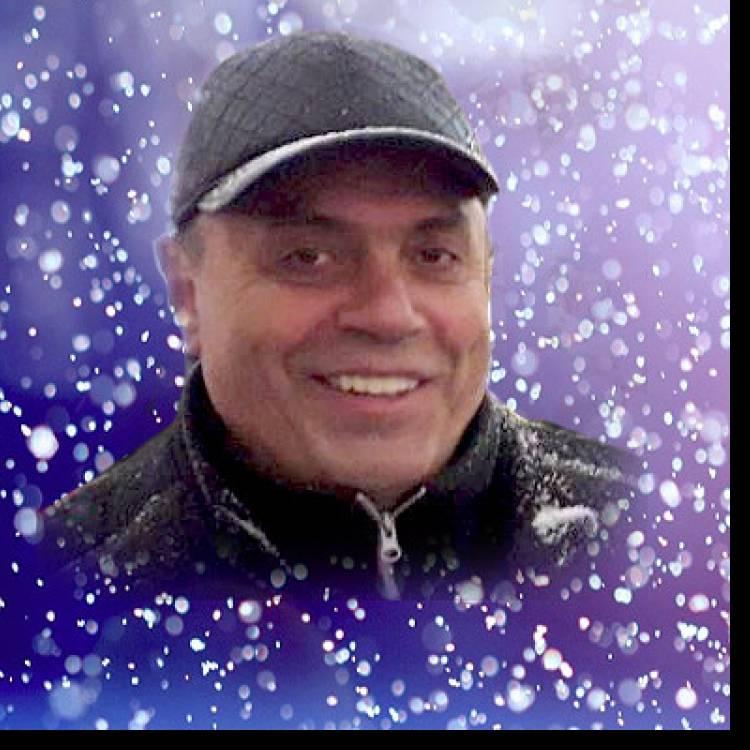 Сергей Вернесс-Тихо падает снег